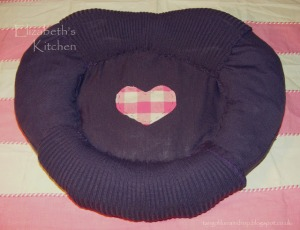 recycled jumper cat bed